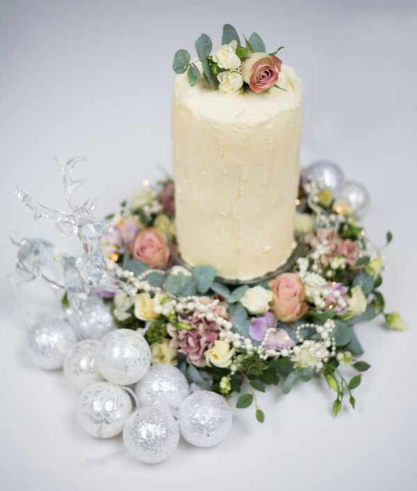 cake_&_flowers, lotti and lu, wedding flowers, wedding cakes, MrsPandPs Sunday Morning Cuppa,  Wedding Blog,  Blog Catch up
