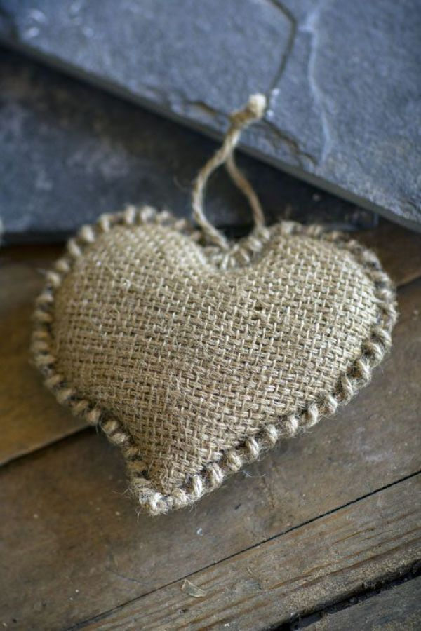 MrsPandP's Sunday Morning Cuppa, Wedding Blog, Blog Catch Up , hessian heart, handmade wedding, blogging bride, ready or knot, sophie, calling in favours