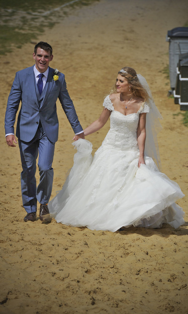 Rich page - Page Creations - Beach Wedding (38)