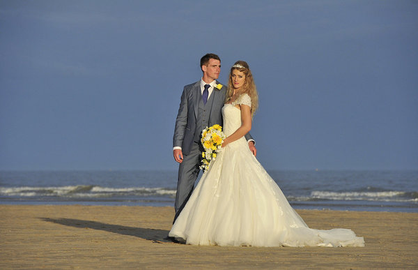Rich page - Page Creations - Beach Wedding (72)