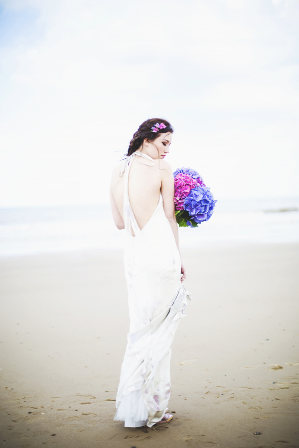 beach-bride-inspired-styled-shoot-Jessica-Elisze-Photography-Mundesley-Beach -Model-Lucy-Scarfe(18)