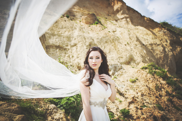 beach-bride-inspired-styled-shoot-Jessica-Elisze-Photography-Mundesley-Beach -Model-Lucy-Scarfe(9)