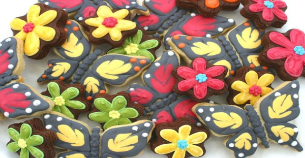 butterfly cookies, cookie kitchen, hand baked cookies, lincolnshire bakery, hand iced cookies, wedding cookies, celebration cookies
