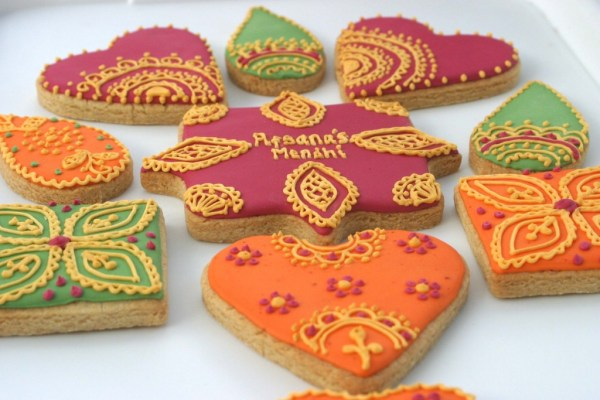 Mendhi cookies, cookie kitchen, hand baked cookies, lincolnshire bakery, hand iced cookies, wedding cookies, celebration cookies