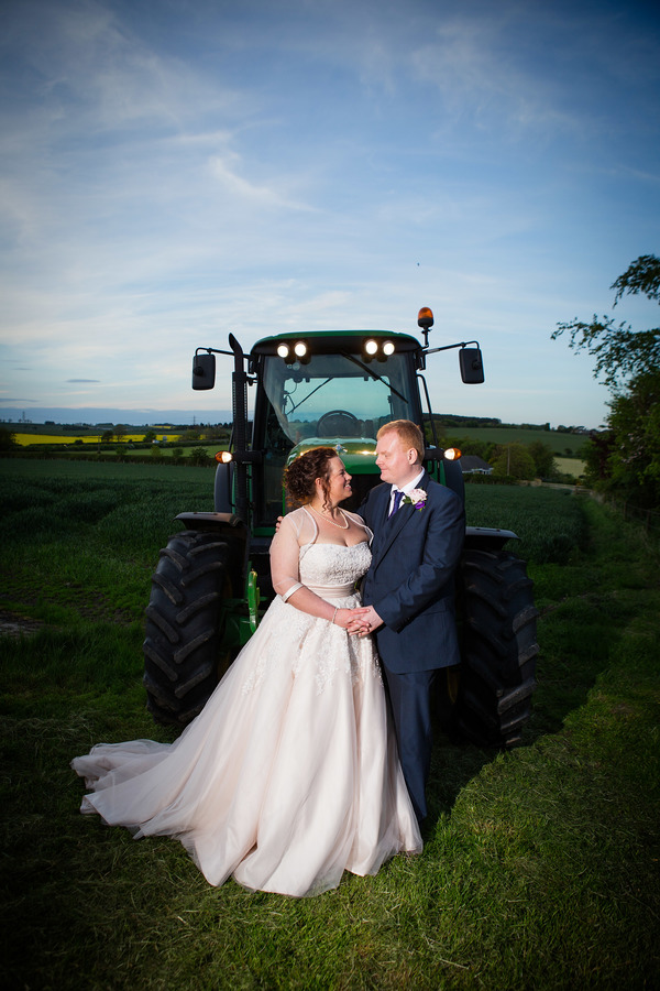 duncan-mccall-photography-farm-wedding-music-inspired-wedding_93