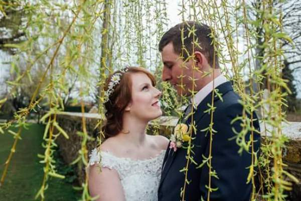 exquisitely-youweddings-and-events-charlotte-bryer-ash-photography-back-garden-wedding-photoshoot-collaborative-shoot-backyard-wedding (14)