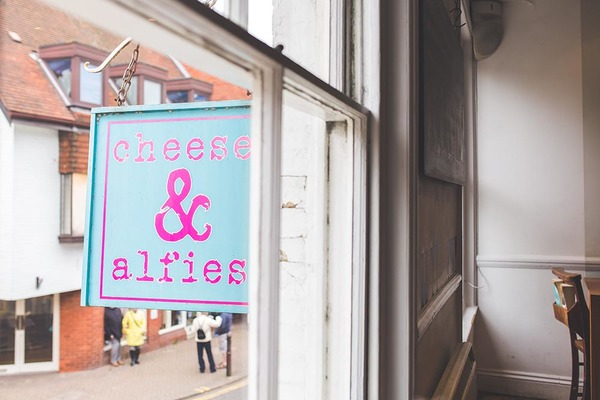 cheese-and-alfies-sign-christchurch