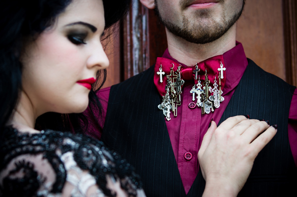janet-broughton-photography-gothic-wedding-shoot-gothic-drama-buxton-opera-house-victorian-venue-gothic-details (51)