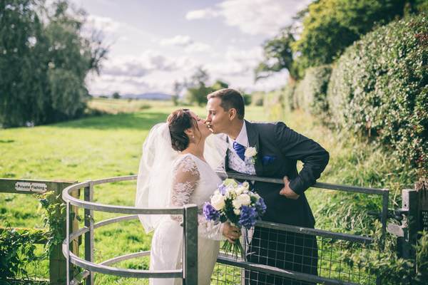 jess-yarwood-photography-tiffany-rose-dress-pregnant-bride-homemade-touches-garden-wedding-marquee-wedding (21)