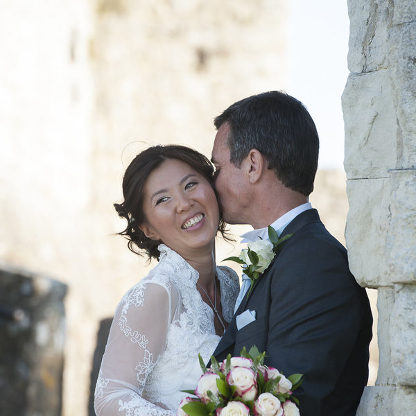 yvette craig photography, leeds castle, pink and cream wedding details