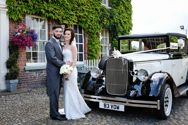 Cris-Lowis-photography-Staffordshire wedding-Mytton-and-Mermaid-pub (24)
