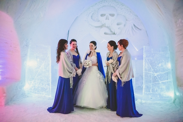 lapland-wedding-snowy-wedding-rob-grimes-hotography-destination-wedding-LUVATTUMAA- Ice-Chapel-Levi-Lapland (43)