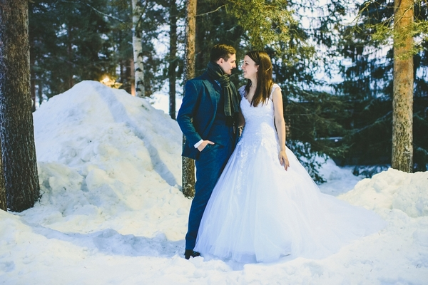lapland-wedding-snowy-wedding-rob-grimes-hotography-destination-wedding-LUVATTUMAA- Ice-Chapel-Levi-Lapland (83)