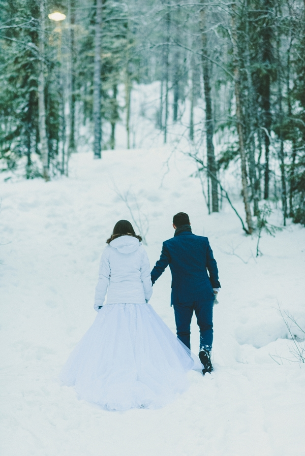 lapland-wedding-snowy-wedding-rob-grimes-hotography-destination-wedding-LUVATTUMAA- Ice-Chapel-Levi-Lapland (98)