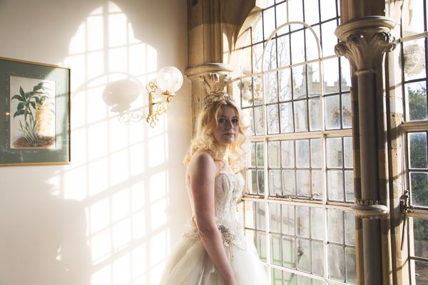 nellie-photography-vintage-chic-wedding-fair-Ettington-Park-Hotel-vintage-inspired-wedding (7)