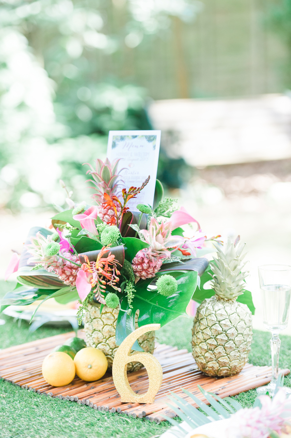 tropical wedding, tropical wedding styled shoot, hannah mcclune photo, stoke place, tropical floral centrepiece - tarnia williams