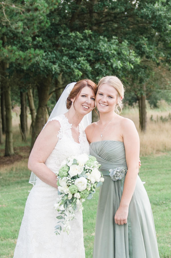 hannah-mcclune-photography-essence-of-australia-dress-hampshire-wedding-sage-green-details-highfield-park (2)