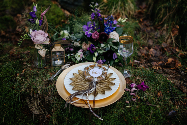 jess-yarwood-photography-woodland-wedding-inspiration-feather-wedding-details-thistle-wedding-details-cream-and-gold-wedding-palette (11)