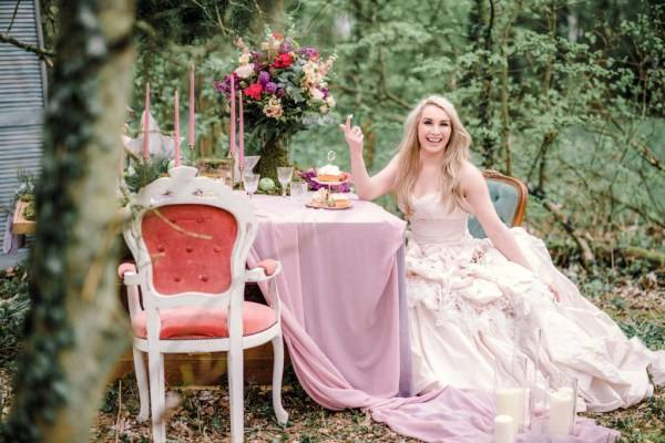 Sarah-Brabbin-Photography-Ian-Stuart-Wedding-Dress-Applewood-Weddings-Woodland-Wedding-Fairytale-wedding (25)
