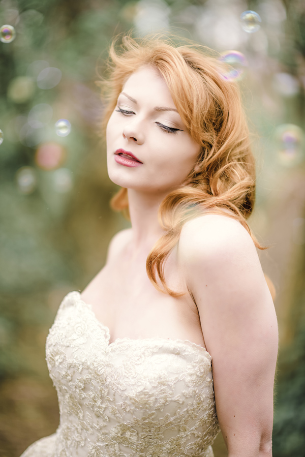 Sarah-Brabbin-Photography-Ian-Stuart-Wedding-Dress-Applewood-Weddings-Woodland-Wedding-Fairytale-wedding (39)
