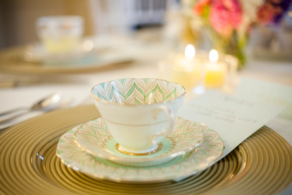 Alegrar-Events-Amanda-Karen-Photography-Vintage-styled-shoot-Vintage-tea-party-bridal-inspiration-shoot-tea-party-styled-shoot-bridal-preparations (37)