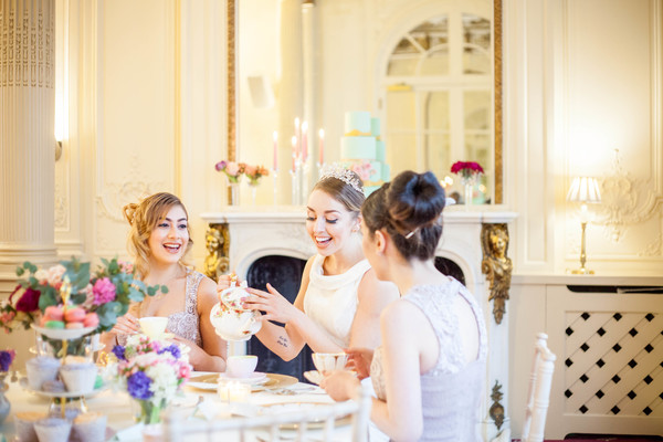 Alegrar-Events-Amanda-Karen-Photography-Vintage-styled-shoot-Vintage-tea-party-bridal-inspiration-shoot-tea-party-styled-shoot-bridal-preparations (53)
