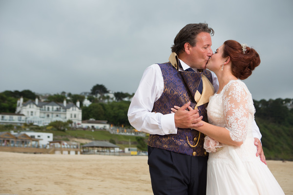 Cornwall-Wedding-Carbis-Bay-Hotel-Khalile-Siddiqui-Photography-Navy-and-Gold-Wedding-Details (28)