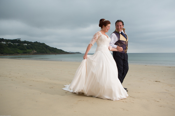 Cornwall-Wedding-Carbis-Bay-Hotel-Khalile-Siddiqui-Photography-Navy-and-Gold-Wedding-Details (29)