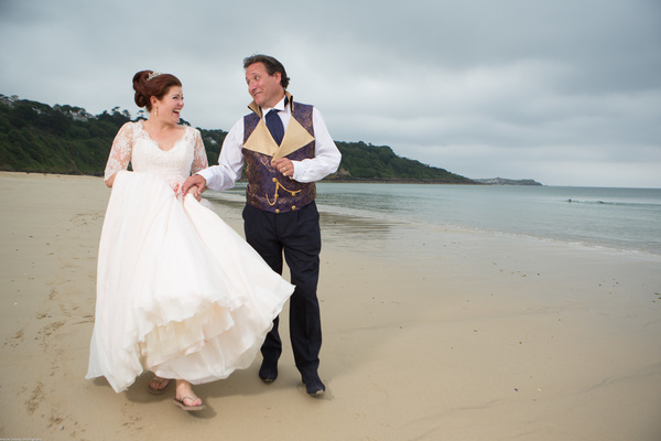 Cornwall-Wedding-Carbis-Bay-Hotel-Khalile-Siddiqui-Photography-Navy-and-Gold-Wedding-Details (31)