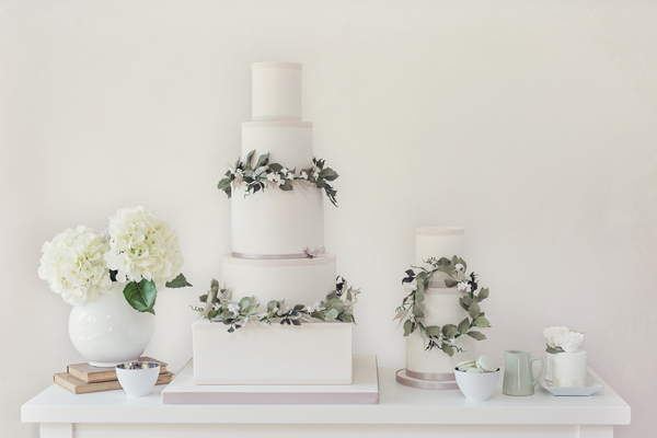 Poppy-Pickering, Tiree-Dawson-Photography, wedding-cakes-