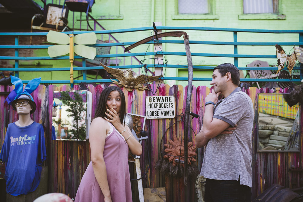 Randyland-Pittsburgh-Landmark-Sandra-Chile-Photography-Pittsburgh-Engagement-Schoot-Colourful-Engagement-Shoot 20