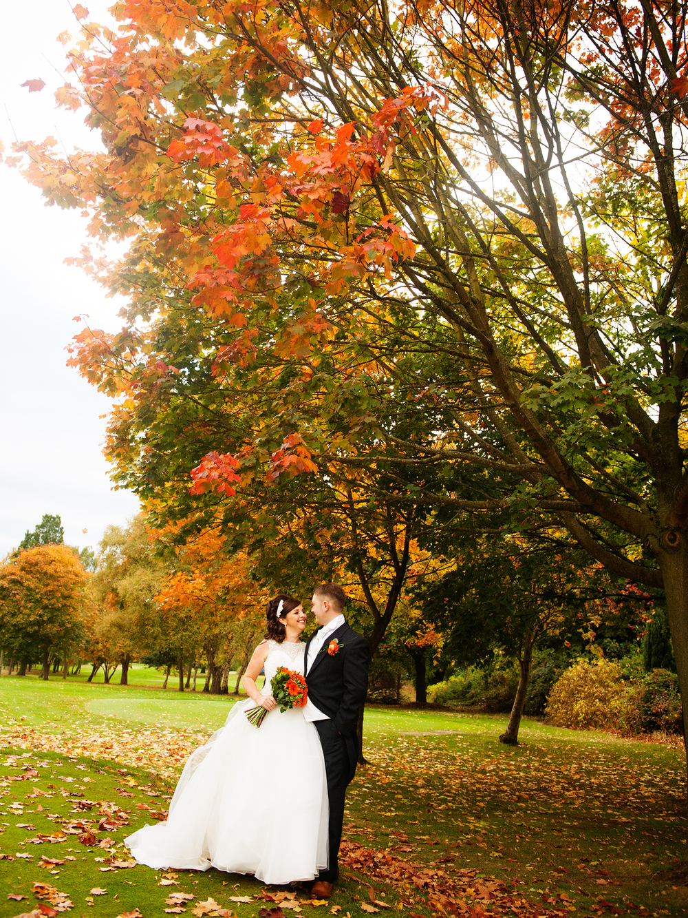 weekday-wedding-photos-jenny-mcavoy-autumn-wedding-autumnal-wedding-swinton-park-golf-club-yorkshire-wedding-ronald-joyce-dress (30)