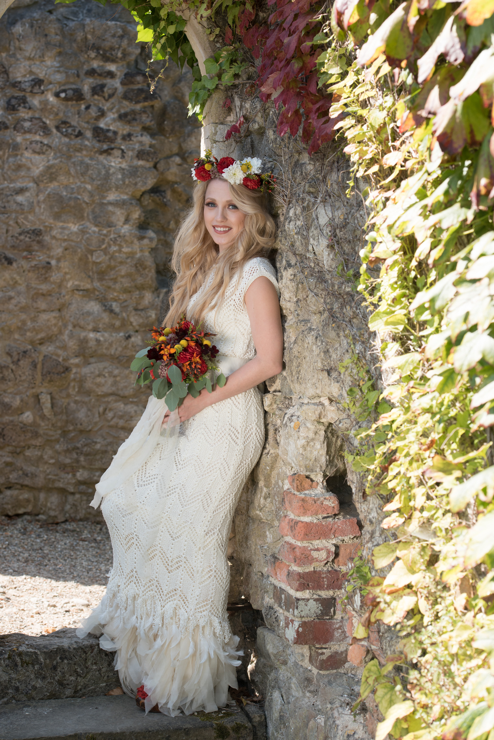 the-robing-room-westernhanger-castle-yvette-craig-photography-the-wedding-flower-company-6