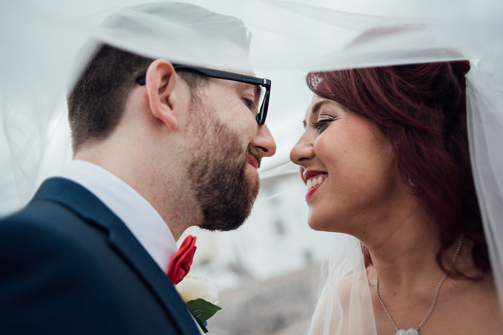 liberty-pearl-photography-cornwall-wedding-porthleven-wedding-red-and-blue-wedding-colour-palette-25
