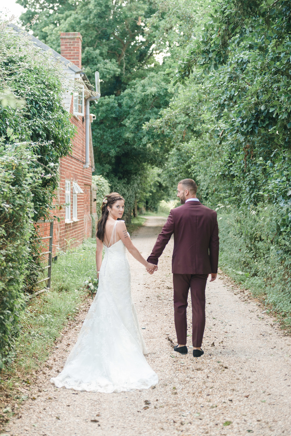 hannah-mcclune-photography-mill-house-hotel-swallowfield-rustic-wedding-burgundy-and-peach-wedding-42