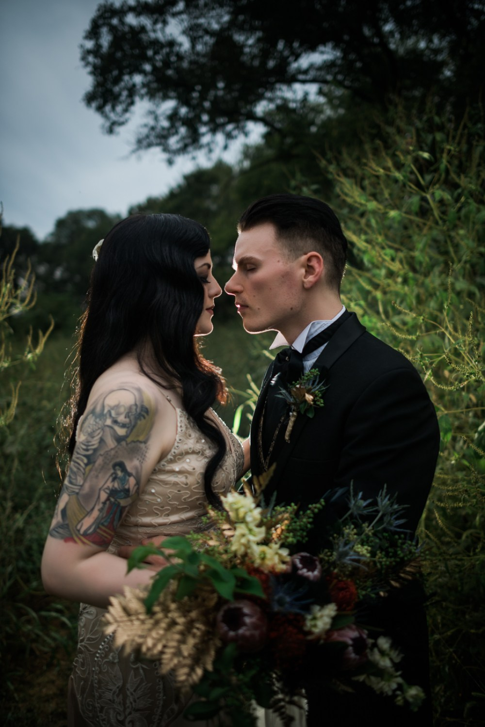 and-how-imaging-gothic-inspired-styled-shoot-gothic-wedding-1920s-theme-wedding-1920s-inspired-styled-shoot-halloween-styled-shoot-gothic-inspired-wedding-42