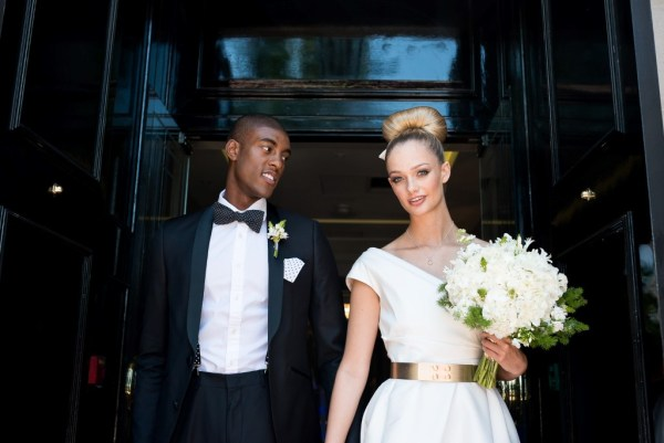 A minimalist elegant city chic wedding in London with a monochrome and metallic style