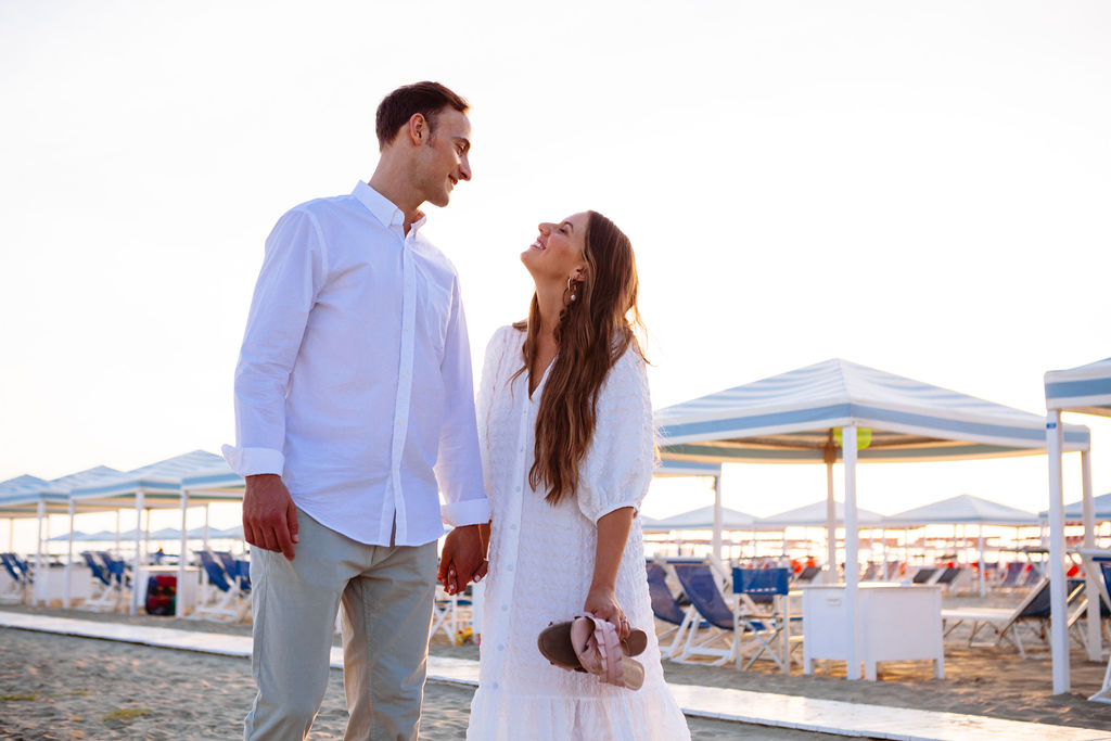 Elizabeth Armitage Photography - italian beach couples shoot