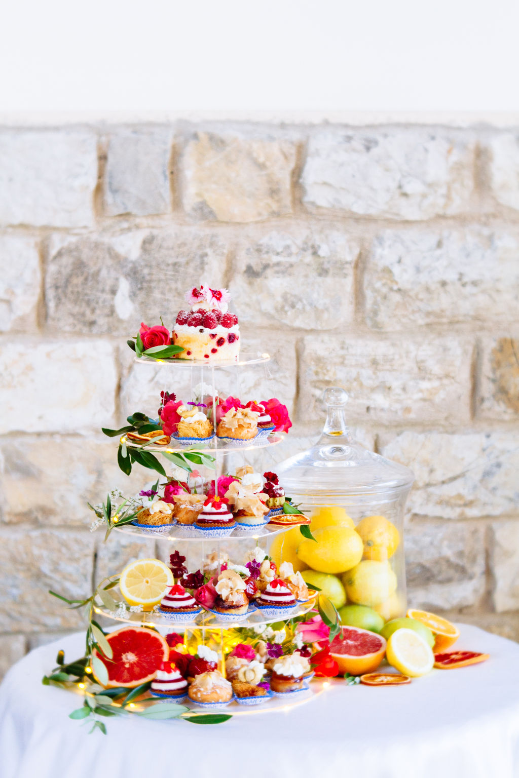 Elizabeth Armitage Photography - colourful wedding - small wedding cakes - mini cakes