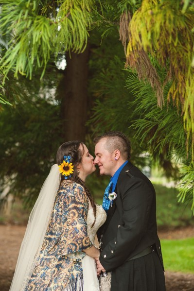 A gorgeous Doctor Who inspired Wedding in Georgia with handcrafted geeky detail