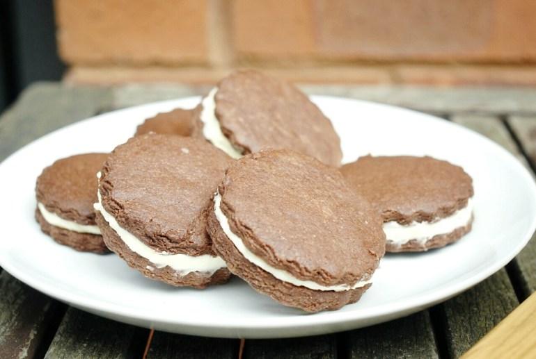Recipe - Homemade OREO Cookies