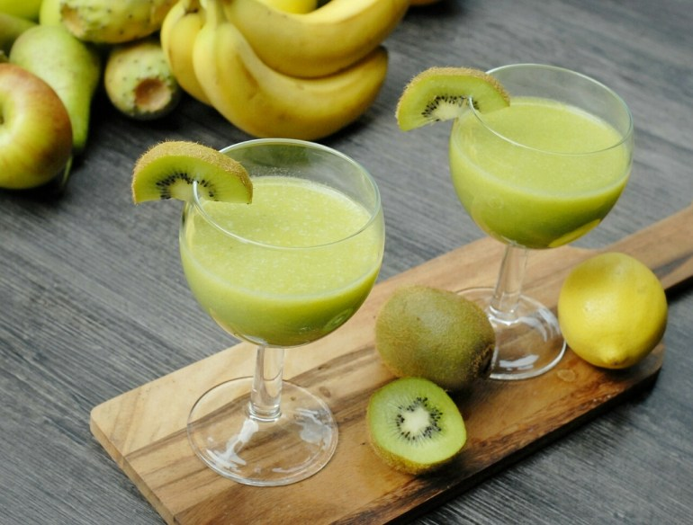 Kiwi and Banana Smoothie
