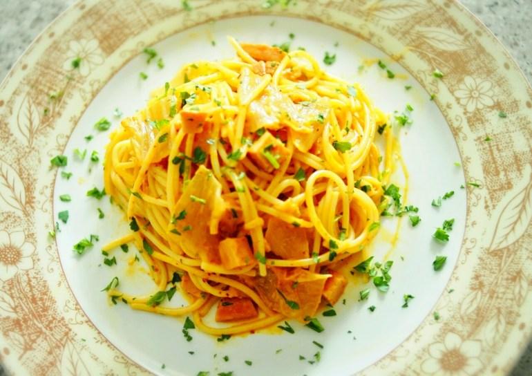 Kimchi and Ham Cream Spaghetti