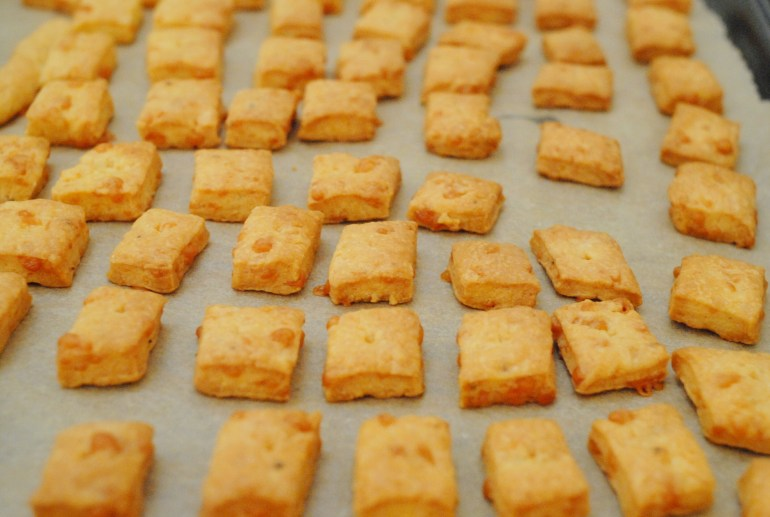 Recipe - Cheddar Cheese Crackers