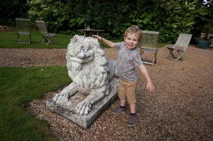 Chesford Grange grounds