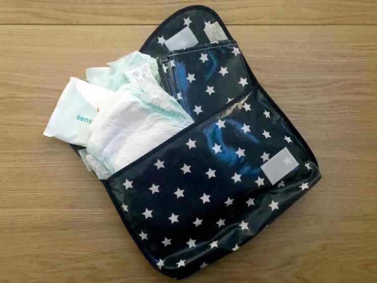Messy Clutch Bag Mat