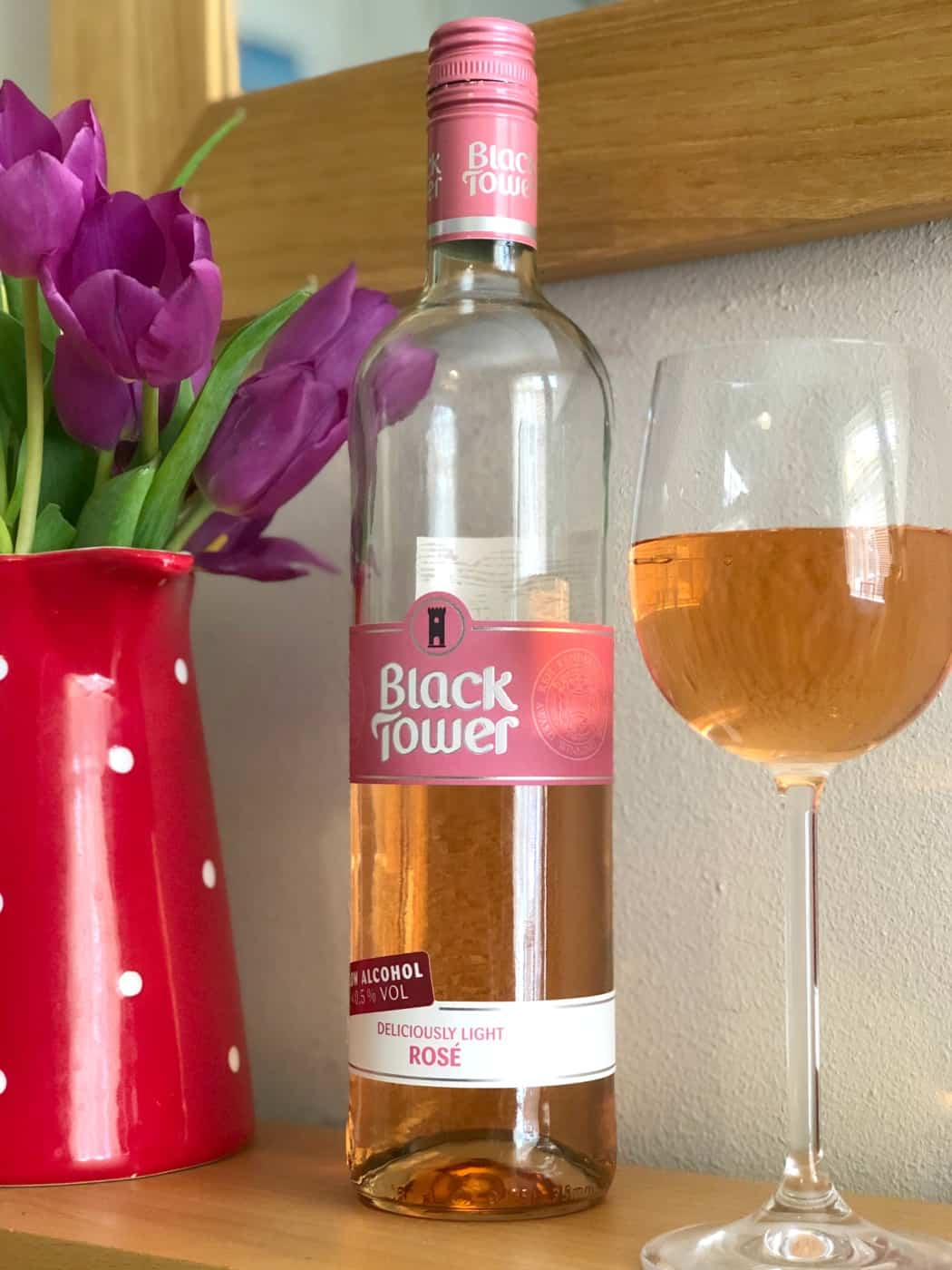 Black Tower Deliciously Light Range Wine Sparkling