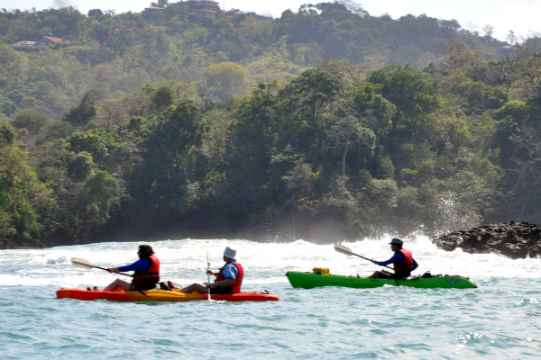 sea kayaking & snorkeling in Manuel Antonio