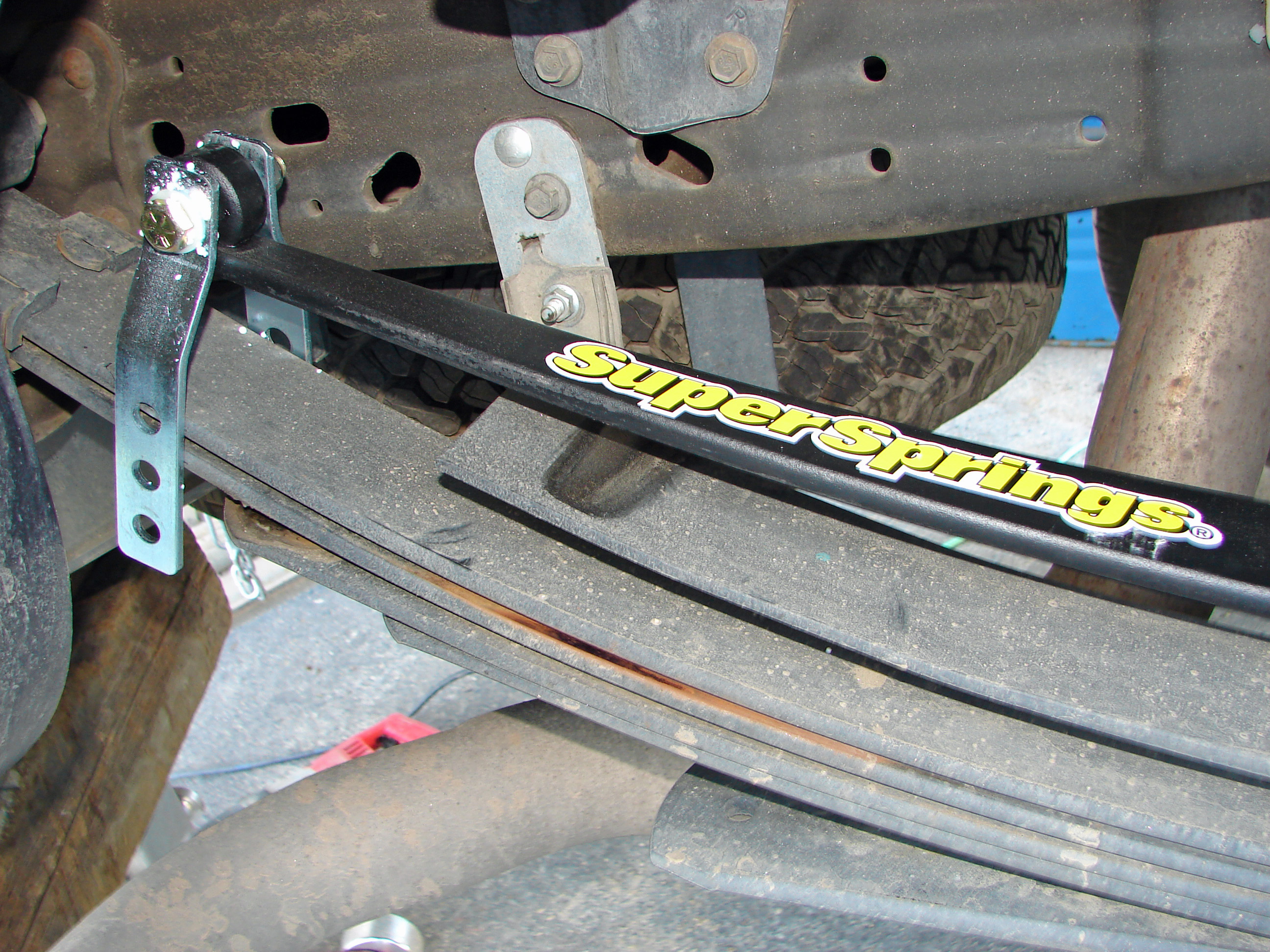 Overload And Stabilizing Leaf Springs Are Supersprings