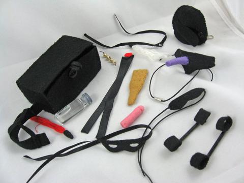BDSM gear by Deridolls